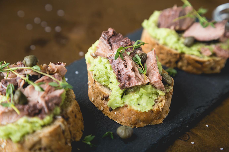 Kruhki s tuno in avakodom