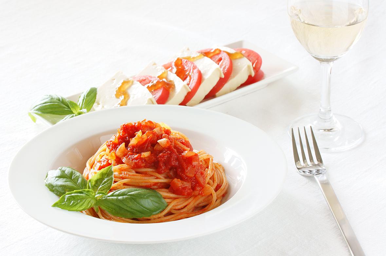 Špageti s tremi vrstami paradižnika